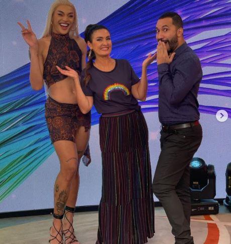 A apresentadora e jornalista Fátima Bernardes sequer vestiu uma roupa verde no dia da captura de Lázaro
